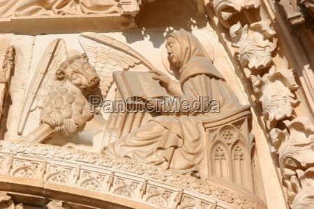 evangelist markus und sein symbol der