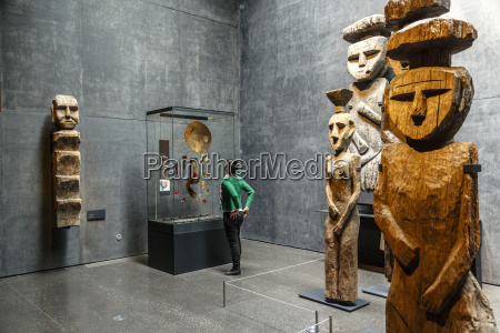 menschen leute personen mensch statue holz