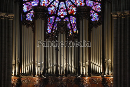 master organ in notre dame de