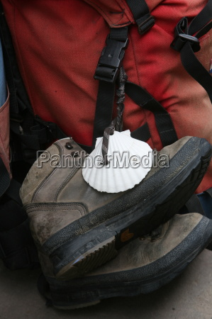 santiago pilgrims shoes st jean pied