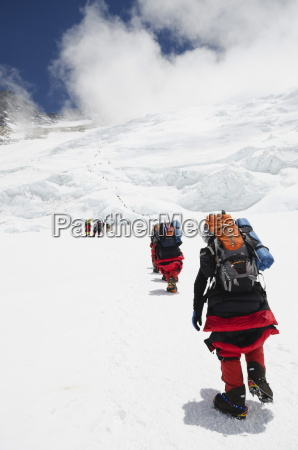 climbers on the lhotse face at