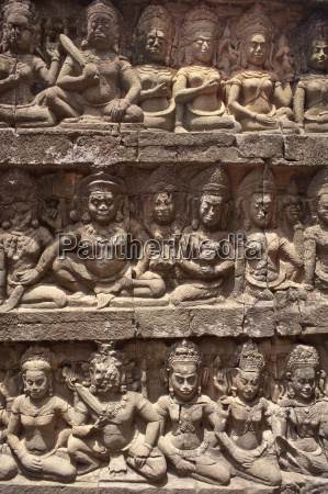 stone carvings angkor wat unesco world
