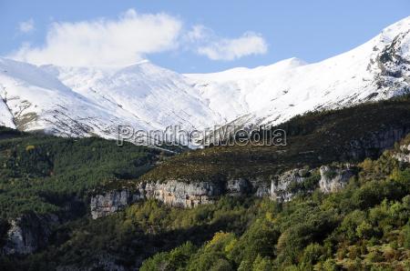 limestone escarpments above escuain gorge with