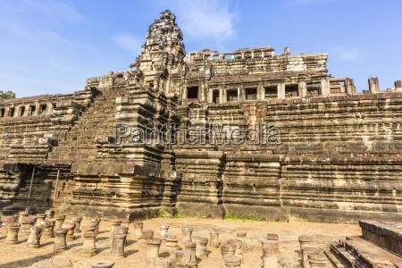 baphuon temple in angkor thom angkor