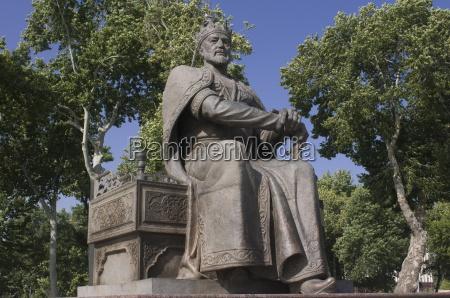 statue des maechtigen koenigs amur timur