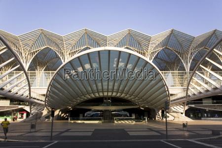 bahnhof station modern moderne schiene europa