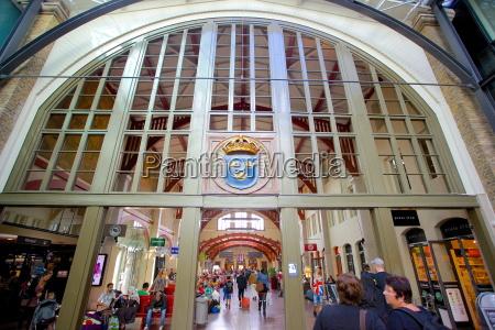 bahnhof station verkehr verkehrswesen schiene europa