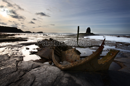 old wreck and black nab at