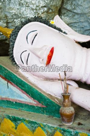 buddha statue at tham sang caves
