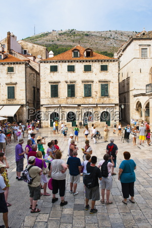 dubrovnik city tour in luza square