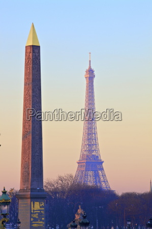 eiffel tower from place de la