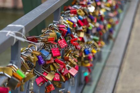padlocks holbeinsteg bridge frankfurt am main
