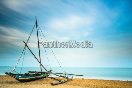 oruwa sri lankan fishing boat negombo