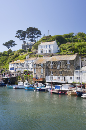 the harbour in polperro in cornwall