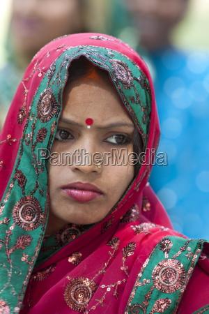 hindu pilger mit bindi punkt und