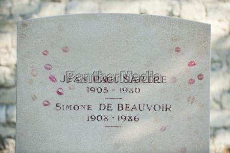 gravestone of existentialist writers jean paul