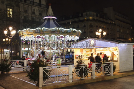carousel at place de l hotel