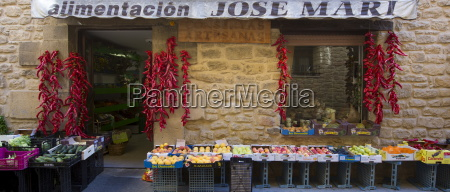 food shop for groceries and artisan