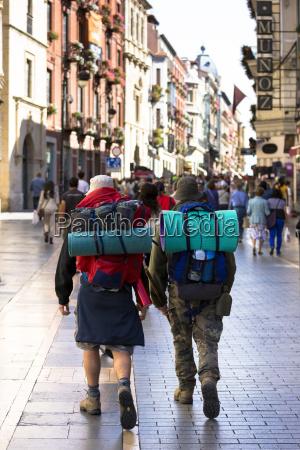 pilger die auf dem camino santiago