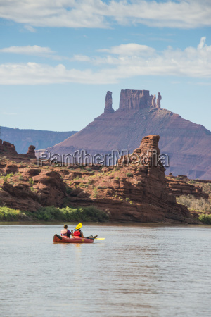 couple kayaking down the colorado