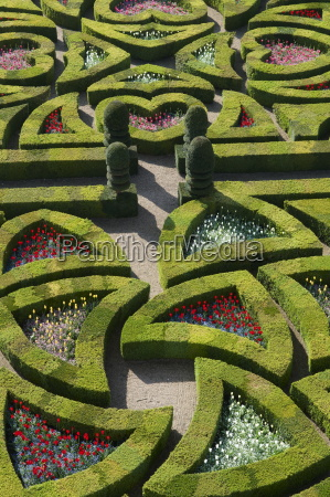 formal garden at the chateau de