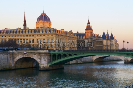 the conciergerie on the cite island