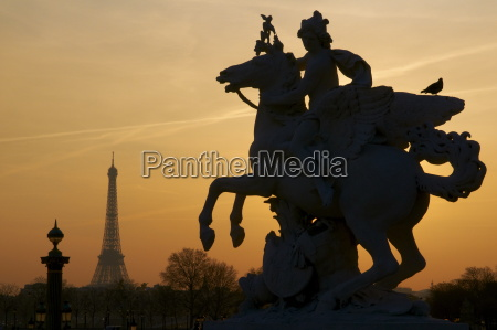 fahrt reisen denkmal monument pferd ross