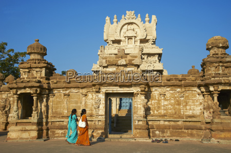 kailasanatha temple dating from 8th century