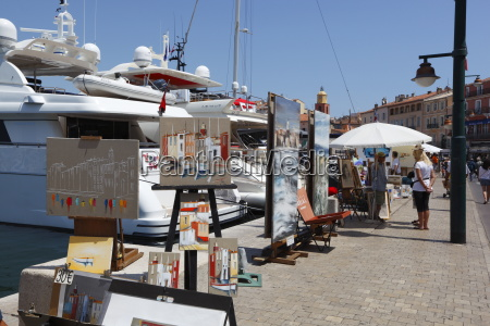 art market along harbour saint tropez