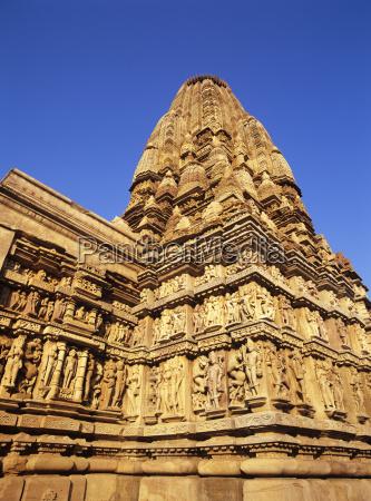 the 10th century jain parsvanatha temple
