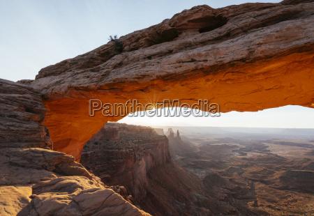 mesa arch at dawn canyonlands national