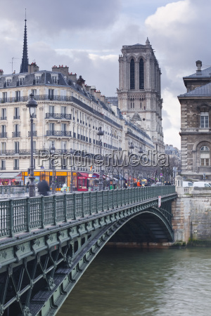 the banks of the seine and