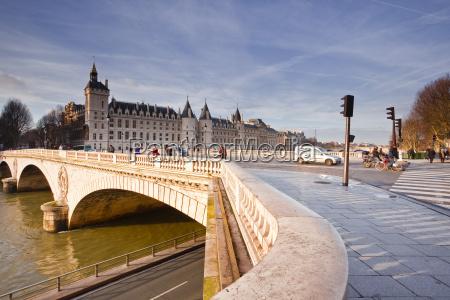fahrt reisen architektonisch stadt bruecke europid