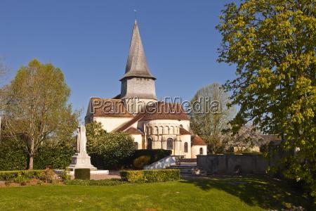 the collegiale church of saint austregesile