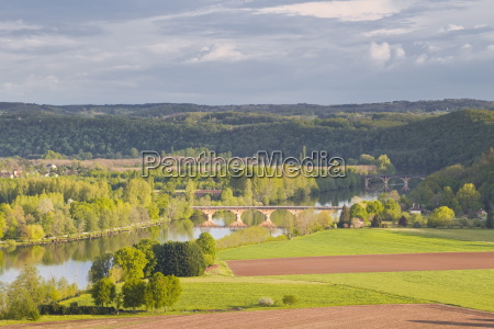 the valley of the dordogne river