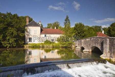 la laignes river flowing through the