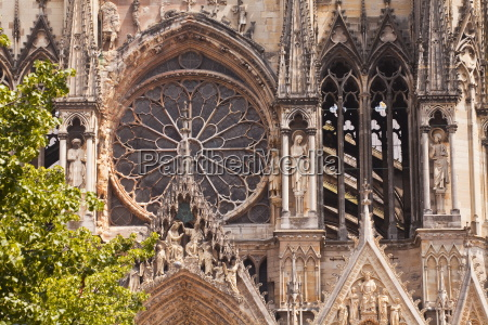 gothic architecture on the notre dame