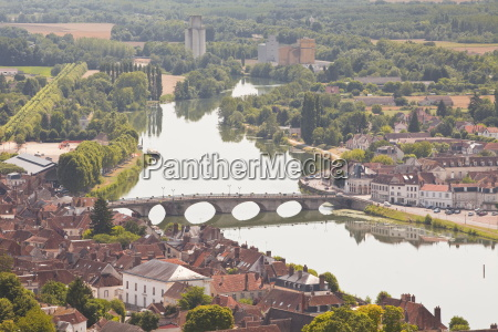 the river yonne flowing through the