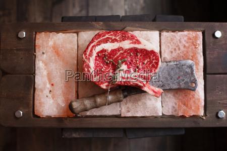 knochen in rippe augenreihe steak auf