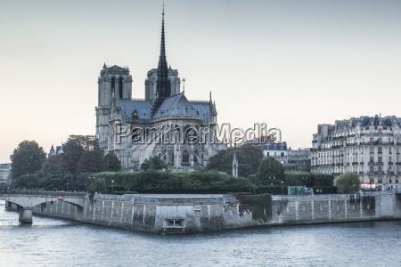 notre dame de paris cathedral unesco