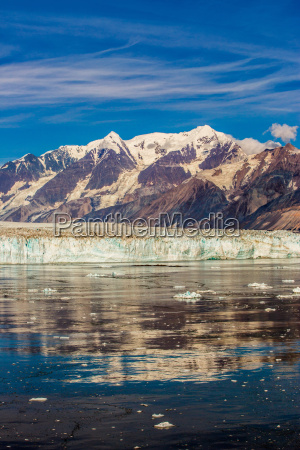 cruising through glacier bay national park