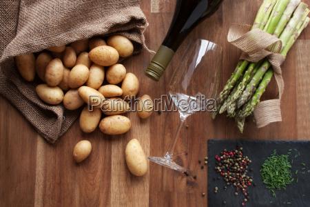 ingredients for asparagus eating