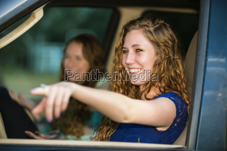 usa texas schwestern im auto sitzen