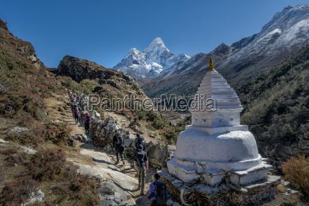 nepal khumbu everest region pangboche trekkers