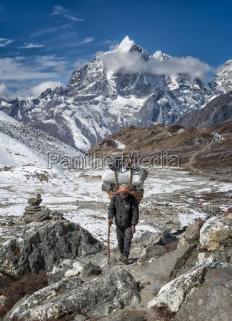 nepal khumbu everest region chhukung nepalese