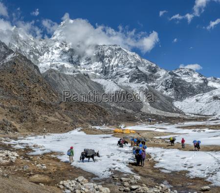 nepal himalayas khumbu everest region ama