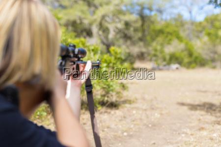 usa texas young woman shooting hunting