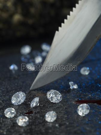 messer blut und diamanten