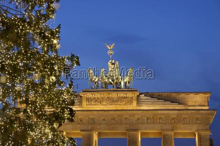 germany berlin view of brandenburger tor