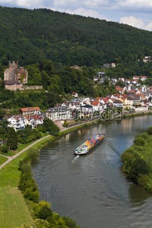 deutschland hessen neckarsteinach mittelburg containerschiff neckar
